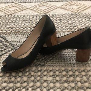Cole Haan peep toe pumps w/stacked heel - Size 6